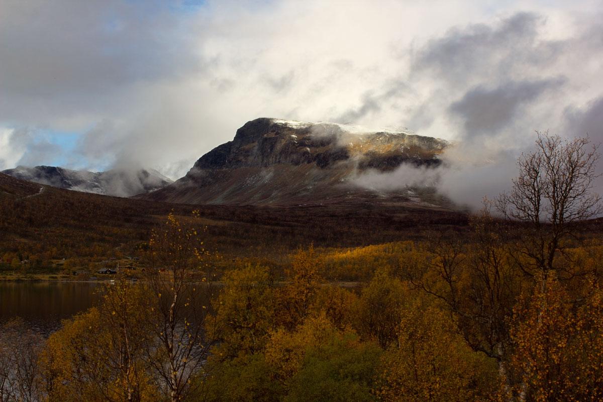 Grindafjell på Helin, i vakker høstprakt. Oktober 2012.